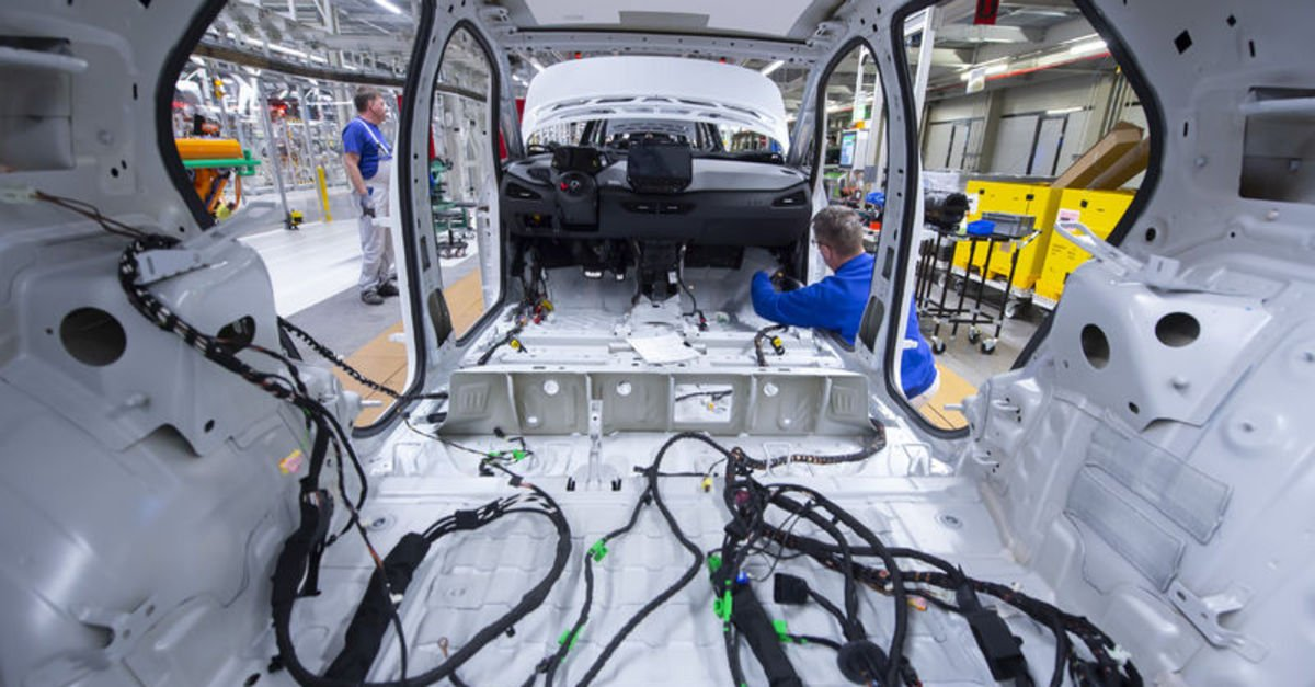 Almanya'da fabrika siparişlerinde beklentiyi aşan yükseliş
