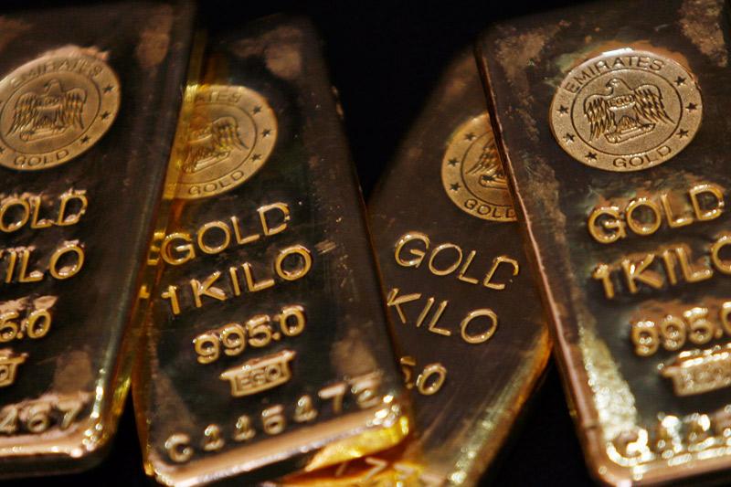 Altın ve gümüş Eylül'deki büyük kaybın ardından Ekim ayına da düşüşle başladı