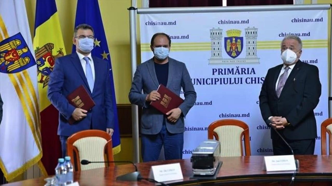Anadolu Isuzu'dan Moldova'da 100 otobüslük imza