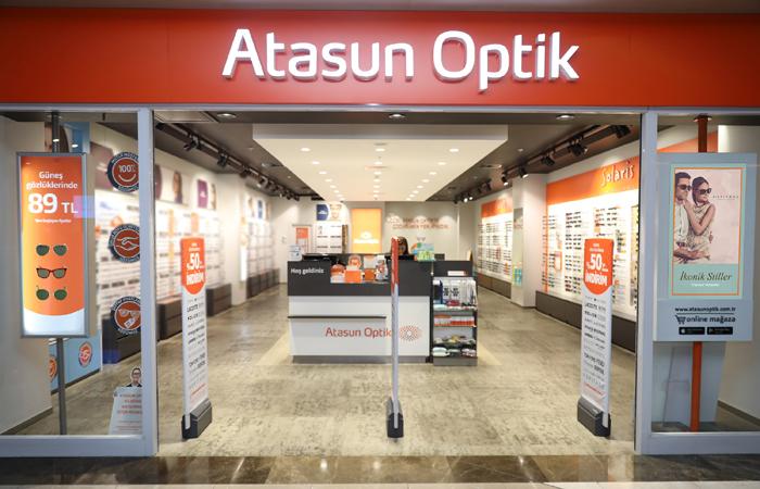 Atasun Optik, cadde mağazalarıyla yeniden açıldı