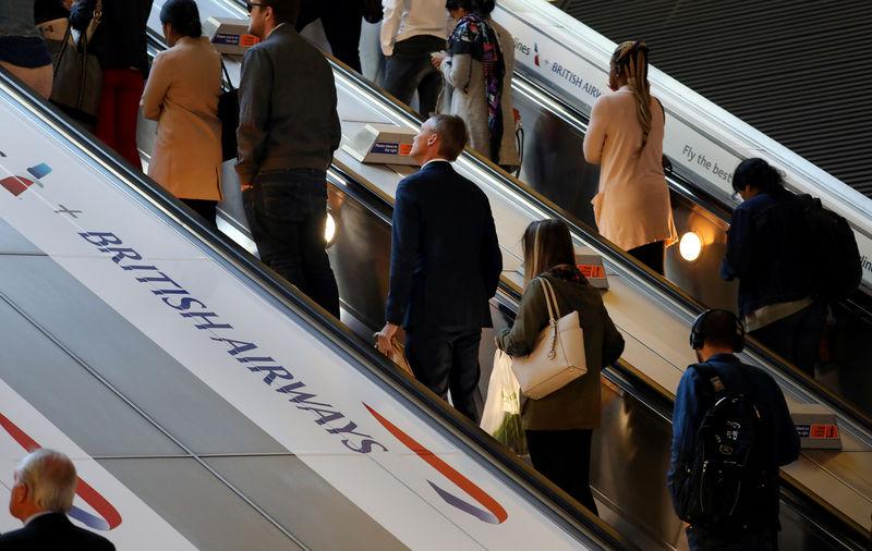 Avrupa havayolları, AB ve ABD'nin Transatlantik seyahatini kısıtlama çabaları yüzünden düşüş yaşadı