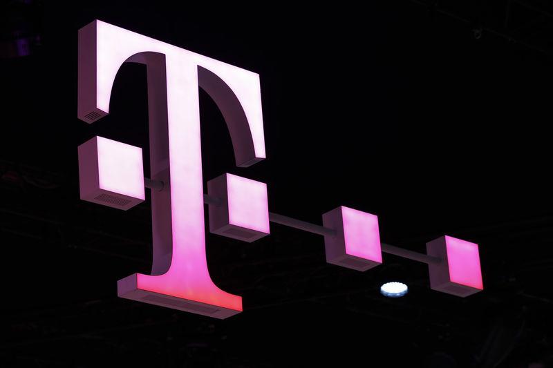 Avrupa piyasaları düşüş yaşadı, Deutsche Telekom, yaptığı anlaşma sonrasında değer kazandı