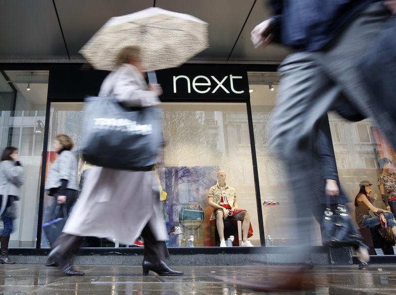 Avrupa piyasaları yüksek, Next parlıyor ancak tedarik sorunları konusunda uyardı