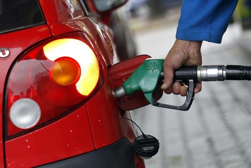 Benzine 24 kuruş zam yapıldı, fakat eşel mobil sistemi gereği pompaya yansıtılmadı