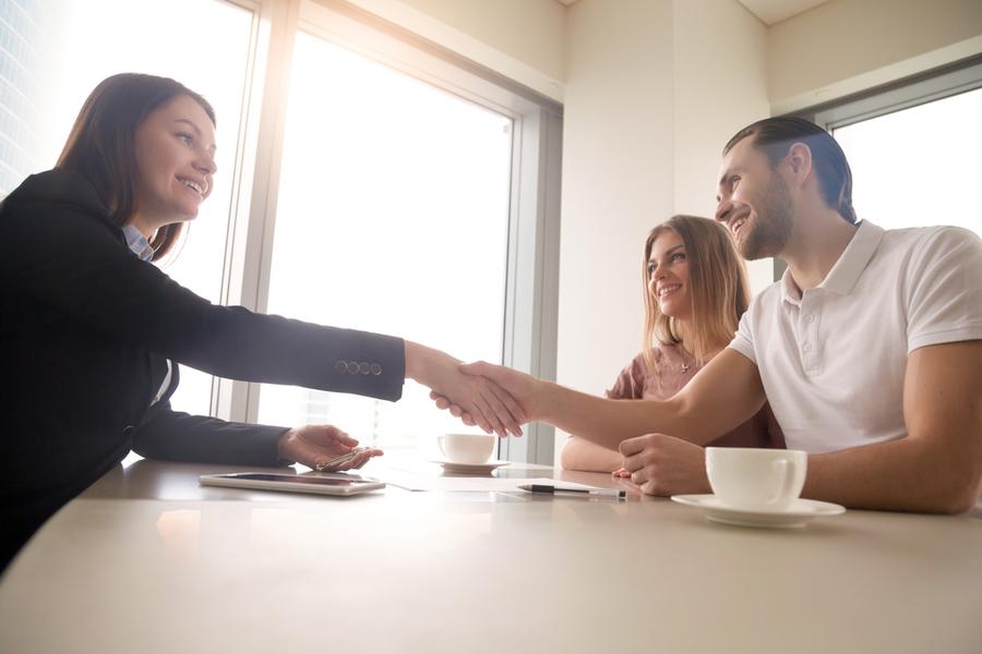 Bir görüşmede karşı tarafı en kısa sürede nasıl etkileyebilirsin?