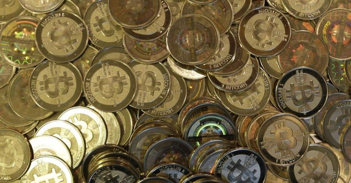 Bitcoin bir ayda ilk kez 30 bin doların altına indi