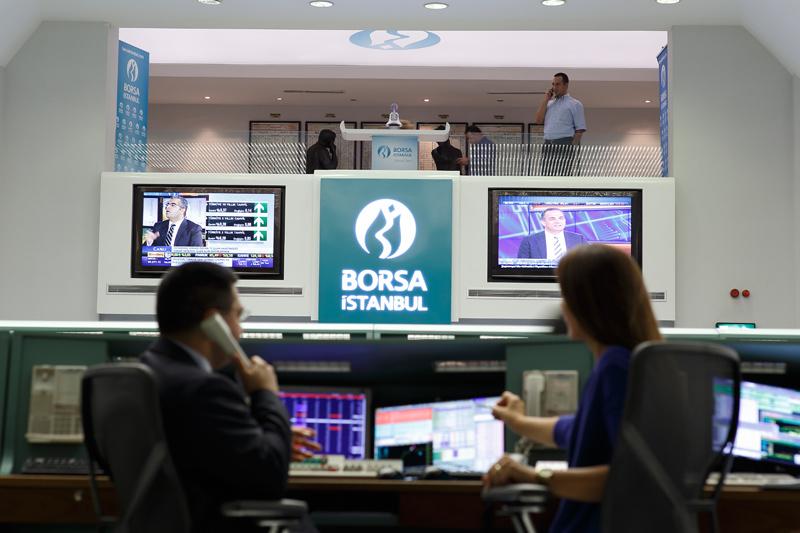 Borsa güne beklentilerin üzerinde alımlarla başladı