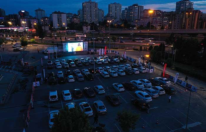 CarrefourSA'dan halka Arabalı Açık Hava Sineması keyfi