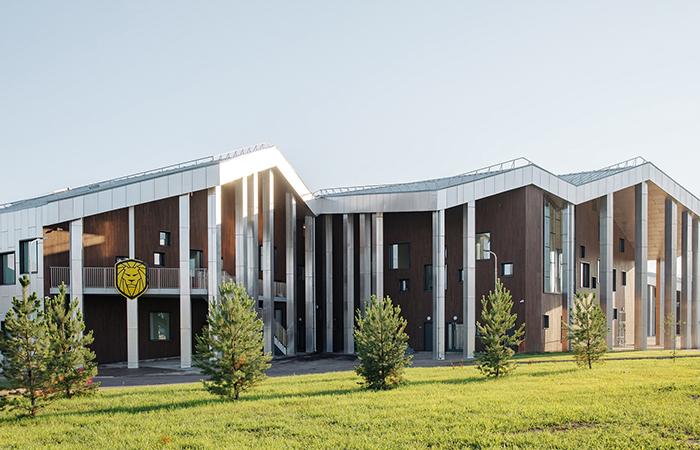 Esta, Rusya'daki öksüz ve yetim kampüsünü tamamladı