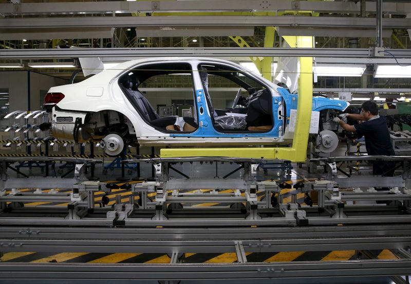 İngiltere'de araç üretimi 1956'dan bu yana görülen en düşük seviyeye indi