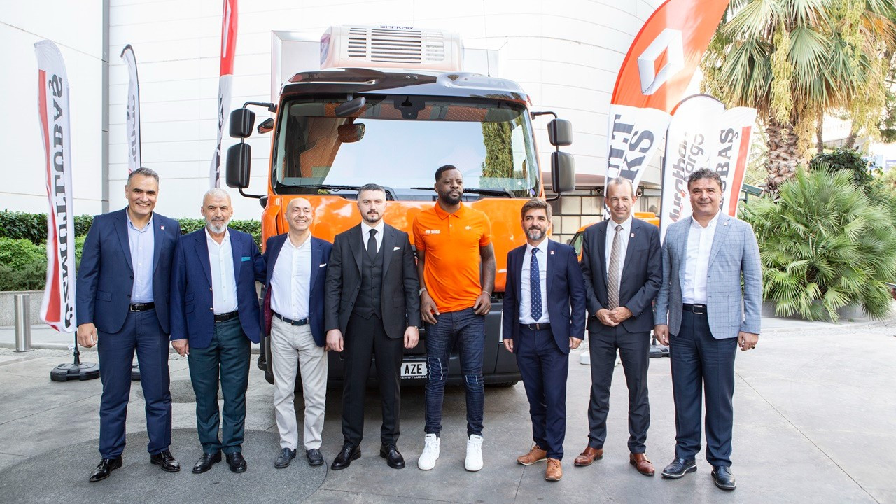 Murat Lojistik'ten 100 adet Renault Trucks D kamyon alımı