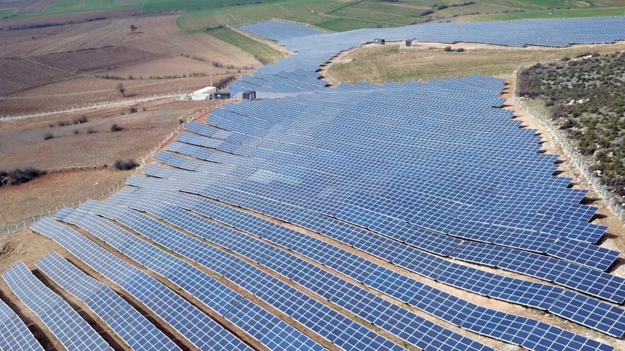 Naturel Enerji, Kinesis'in güneş santrallerini satın alıyor