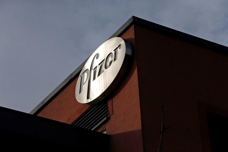Pfizer, FDA'nın yüksek riskli gruplar için Covid-19 takviye aşısını onaylaması ile değer kazandı