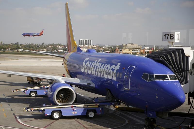 Southwest, uçuş iptallerinin devam etmesiyle yine değer kaybetti