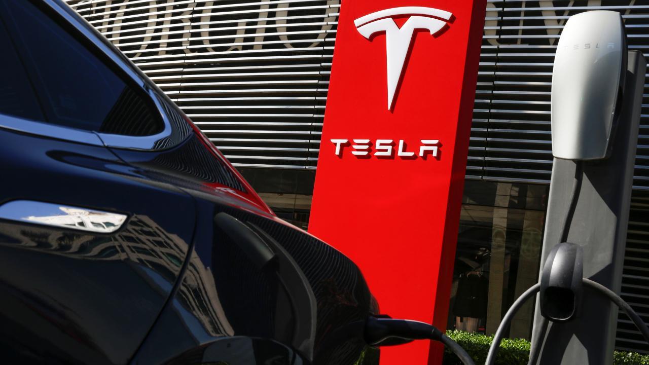 Tesla Çin'de ilk enerji depolama merkezini açtı