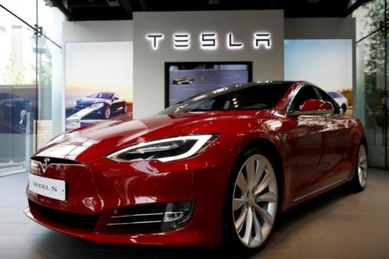Tesla, NTSB başkanının piyasaya sürülmeden önce FSD teknolojisindeki açığı kapatmasını istemesiyle düşüş yaşadı