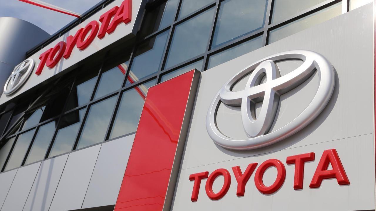 Toyota, çip darboğazı nedeniyle iki üretim hattını durduracak
