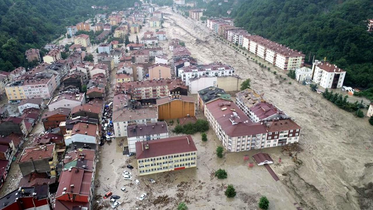 Turkcell'den afet bölgelerine 10 bin tablet bağışı