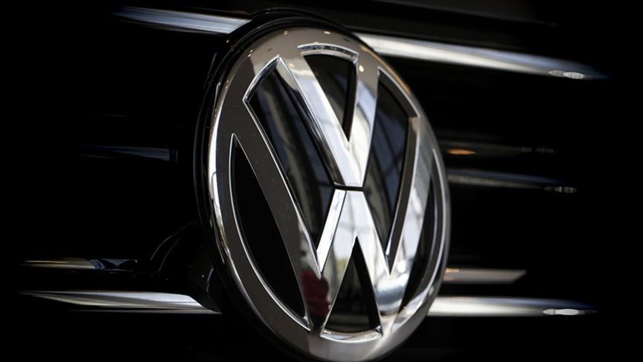 Volkswagen'den Tesla ile rekabet atağı: Avrupa'da devasa batarya fabrikaları kuracak